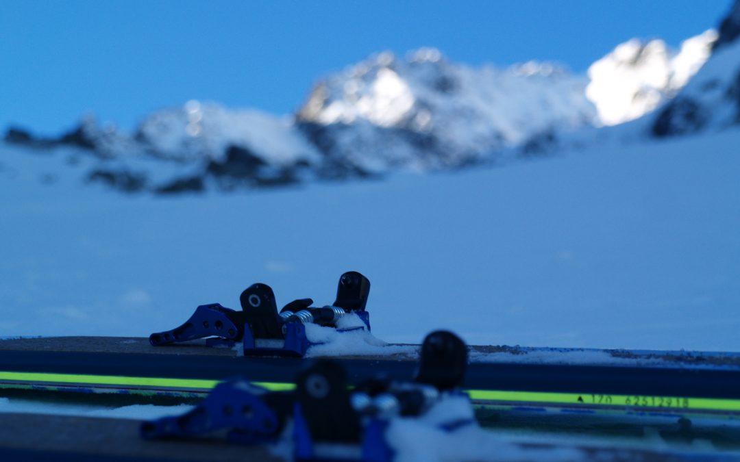 Ako váha výstroja skialpinistu ovplyvňuje výsledný čas?